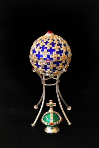 коробочка декоративная серебро925 золото585. гранаты, фианиты, эмаль высота 8см.